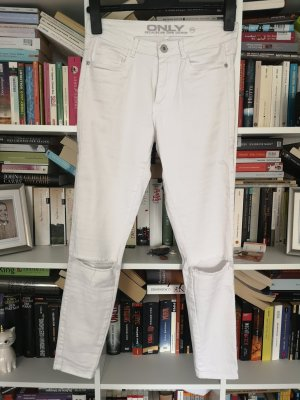 Weiße Stretchjeans mit Cut-Outs