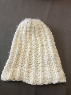 H&M Knitted Hat white
