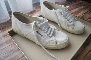weiße Superga Sneaker