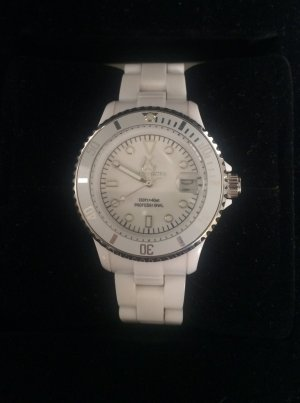 Watch white