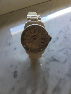 Weiße Uhr