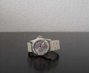 Weiße Uhr von Festina