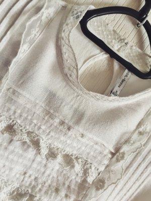 weiße, verzierte Bluse