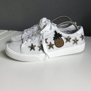 Weiße verzierte sneaker