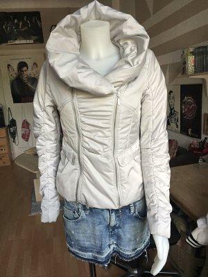 Weiße Winter Jacke Orsay riesen Kragen XS/S