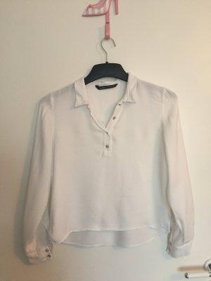 Weiße Zara Bluse mit Knopfleiste am Ausschnitt