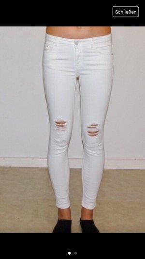 Weiße Zara Destroyed Jeans