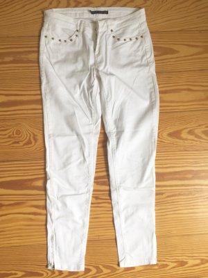 Weiße ZARA Hose mit goldenen Nieten