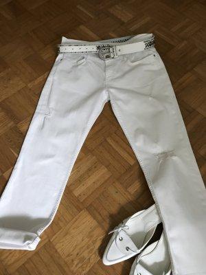 Weiße Zara Jeans im destroyed look