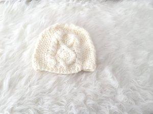 Weiße Zara Wintermütze