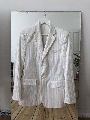 Weißer Anzug