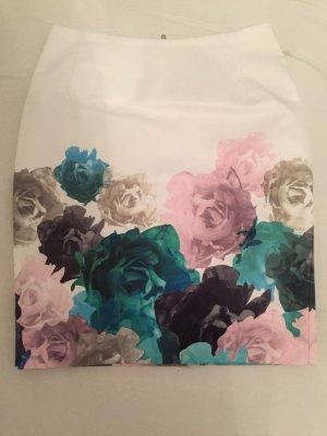 Weißer Blumen Stiftrock