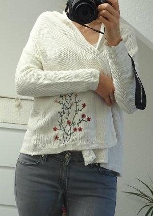 Weißer Cardigan mit gestickten Blumen Zara