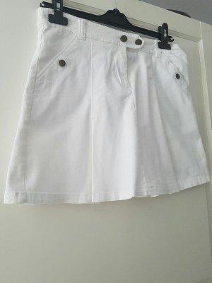 weißer Jeansrock mit Falten