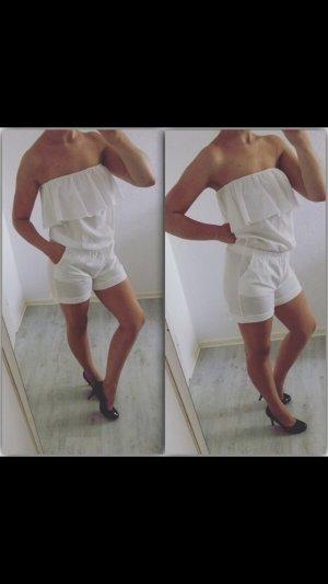 Weißer Jumpsuit mit Rüschen