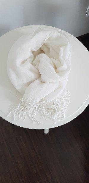 Weißer Kuschelschal