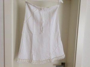Weißer Leinenrock, leichte A-Linie