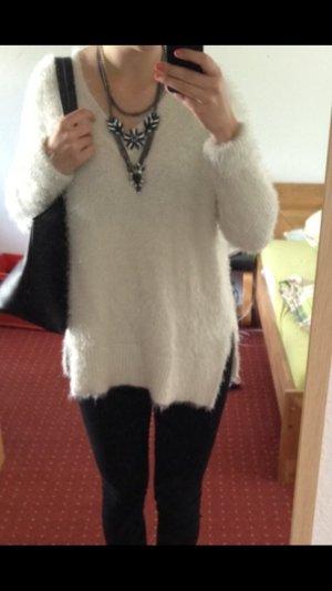 Weißer oversize Kuschel Pullover