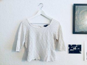 weißer Pullover, gehäkelt