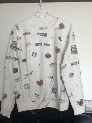 Weißer Pullover mit patches
