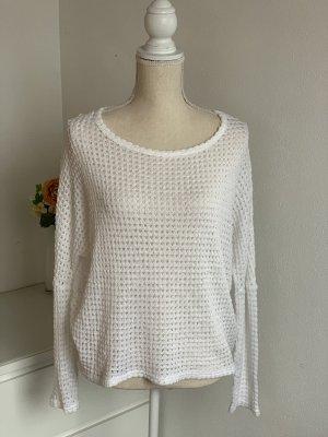 Weißer Pullover mit schönem Rückenausschnitt
