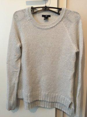 Weißer Pullover mit Silbe/Glitzerwolle