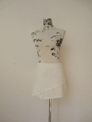 Weißer Skort von Zeitgeist (australischer Nachwuchs-Designer)