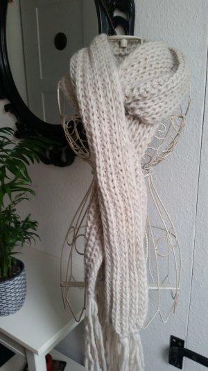 Écharpe en tricot blanc