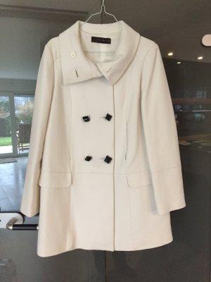 Weißer Zara-Mantel in Größe M