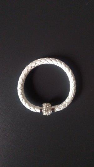 Weißes Armband