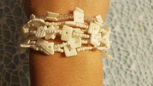 weißes Armband sommerliche Muschel-Details