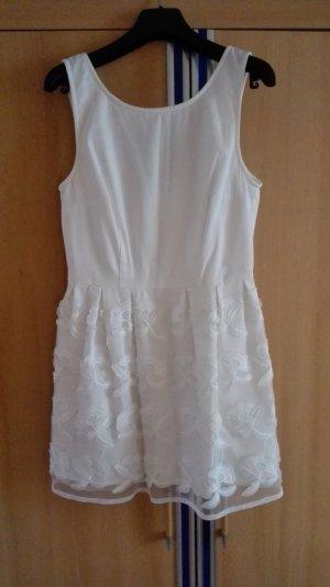 Weißes ausgestelltes Kleid mit Details am Saum Größe 36 s