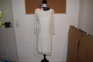 weißes elegantes Kleid