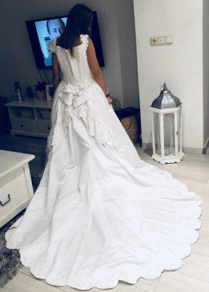 Weißes Hochzeitskleid von lilly in Größe 38