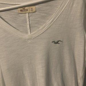 Hollister V-Neck Shirt white
