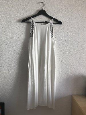 Weißes Kleid in A-Linie