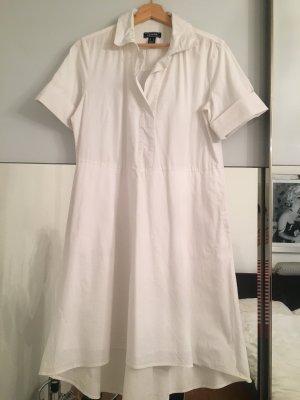 Weißes Kleid mit kurzen Armen