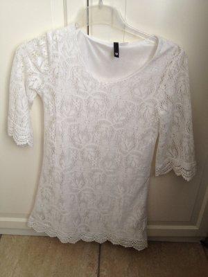 Weißes Kleid mit Spitze