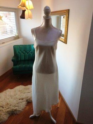 Weißes Kleid mit Trägern
