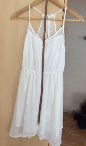 Weißes Kleid von Bershka