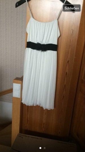 Weißes Kleid von Bonprix