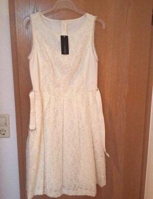 Weißes Kleid von MarcCain