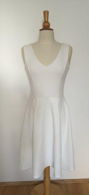 Weißes Kleid von Mint & Berry