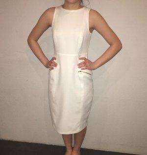 weißes knielanges kleid