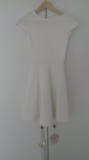 Weißes kurzes Skaterkleid
