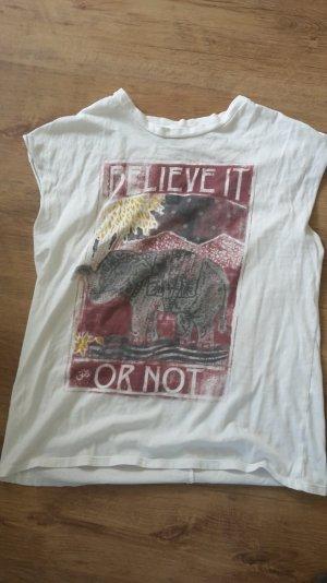 Weißes,lässiges Shirt mit coolem Printmuster, Größe S