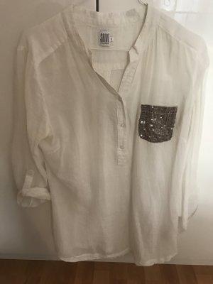 Weißes Leinenhemd mit Pailettenapplikation