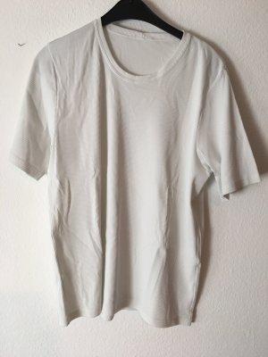 weißes lockeres T-Shirt