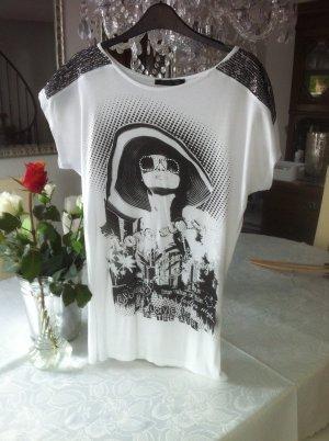 Weißes Longshirt mit schwarzem Aufdruck / Gr. 40 M