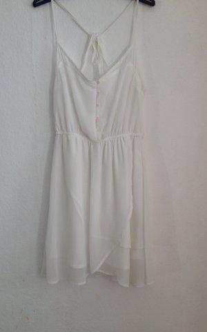 Weißes luftiges Kleid